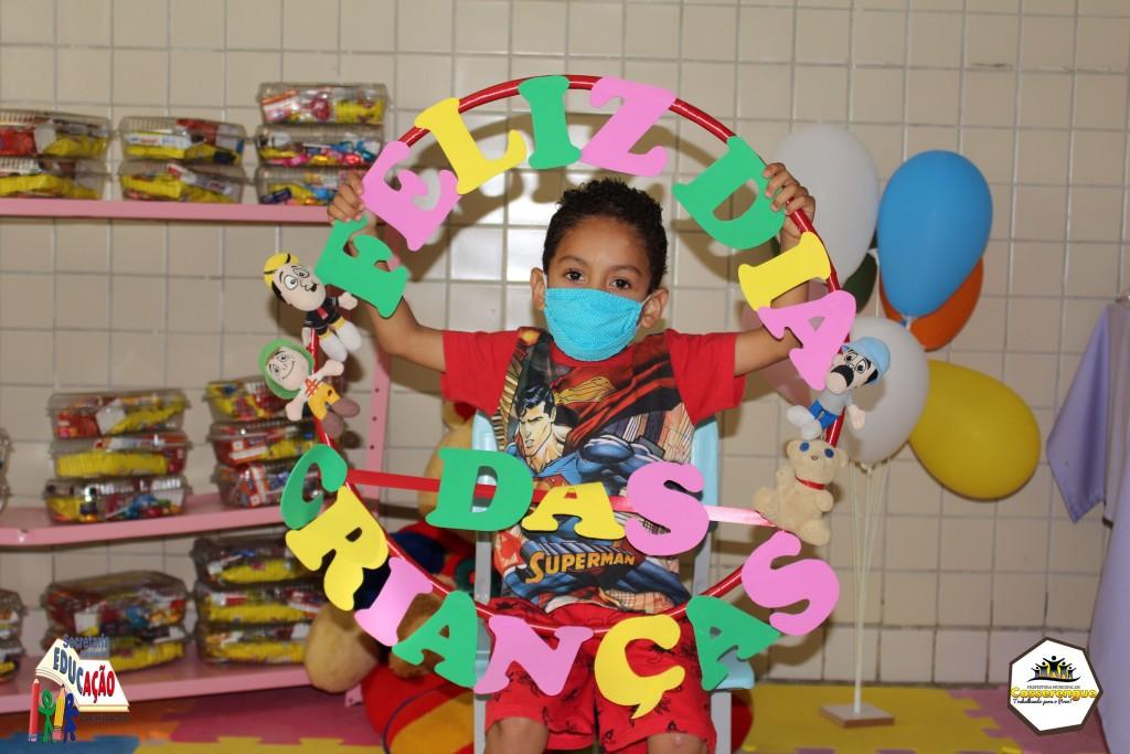 Escolas da rede municipal comemoram Dia das Crianças