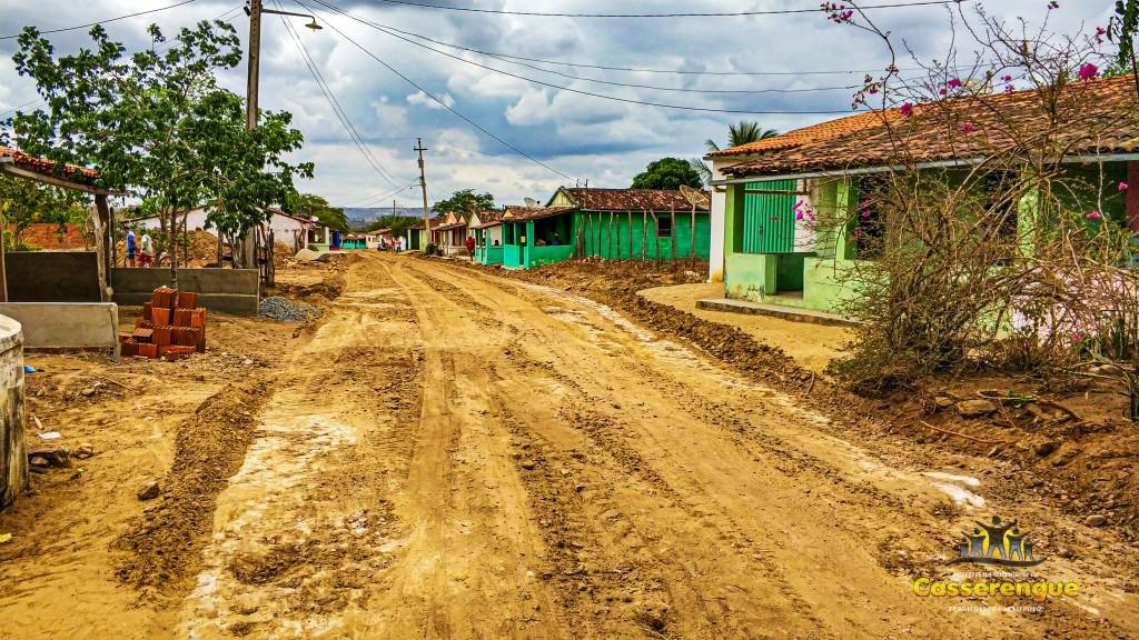Prefeito Dinda Bento dá início as obras de pavimentação do calçamento da Comunidade do Sítio Cinco Lagoas