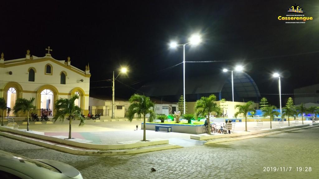 Novas Luminárias e iluminação de LED na Praça da Igreja Matriz